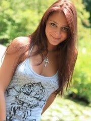 Pictures of Annabelle Angel showing you up her skirt