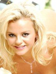 Pictures of Bree Olson getting naked and ready for you