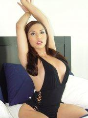 Pictures of Christine Mendoza waiting for you in bed