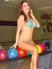 Pictures of Christine Mendoza playing with balls