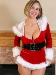 Pictures of Desirae Spencer celebrating Christmas her way