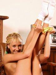 Pictures of Hanna\'s Honeypot playing with her wet pussy