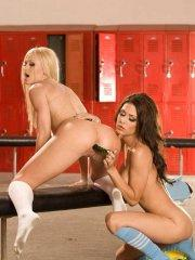 Pictures of Jessica Jaymes eating her classmate in the locker room