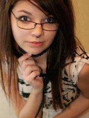 Pictures of teen Kaira 18 teasing in her glasses