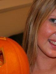 Pictures of Madison Summers getting ready for Halloween