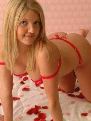Pictures of Madison Summers waiting for hot Valentine sex with you