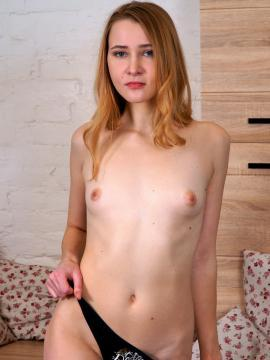 Usa Sxs Flat Chested Redhead Topless