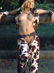 Pictures of teen cutie Sandy Summers dressed as the sexiest cowgirl ever