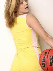 Pictures of Sara Sexton playing basket ball with no clothes on