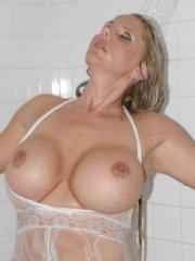 Pictures of Sexy Karen taking a sexy shower