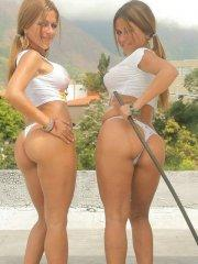 Pictures of the Spice Twins showing off their hot bodies